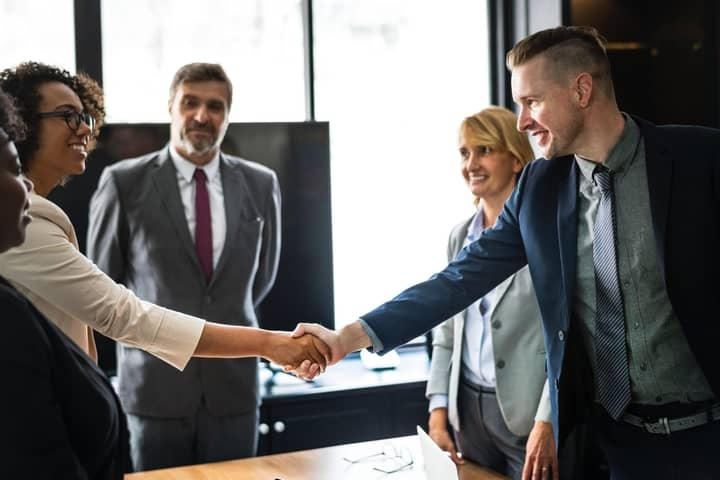 8 Tips for Choosing  Best Advisor for Your Company